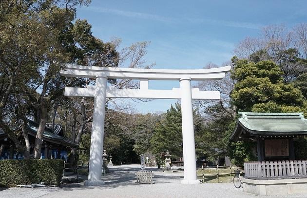 日前・國懸神宮はえびす詣りの日は別として、比較的ゆっくり参拝できるのがうれしい。