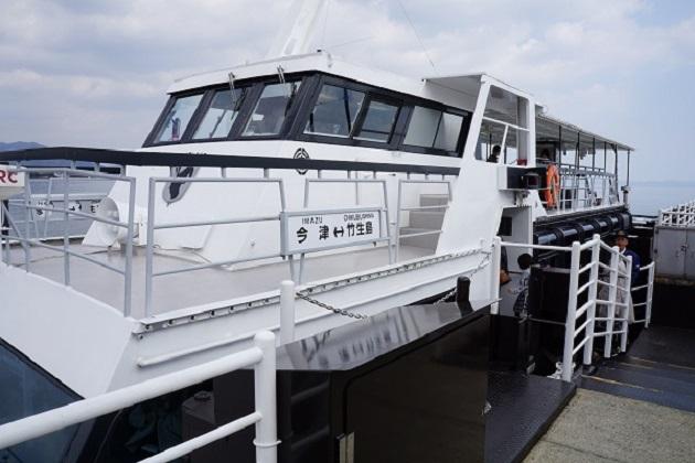 竹生島は船で上陸可能。運賃を安く済ませる裏技もあるので是非ご参考に。