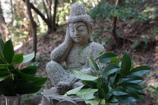 大阪屈指の超穴場的パワースポットの星田妙見宮。日本で2番目に古い隕石落下地点で、お守りも充実している。