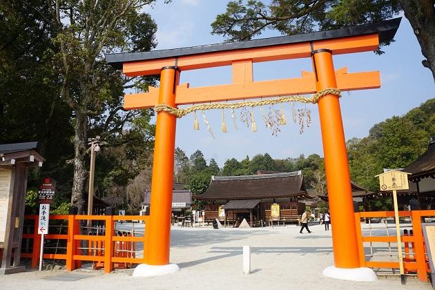 上賀茂神社には小さな神域やパワースポットがいくつも点在する。拝観料が無料というのもうれしい。