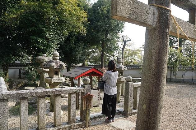 遥拝所は神宮とご神山の方角に向く。天体観測にゆかりが深い神社でもある。