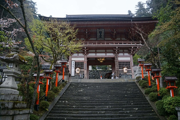 関西屈指のパワースポットとの呼び名が高い鞍馬寺。中でも魔王殿は最強のポイントだ。