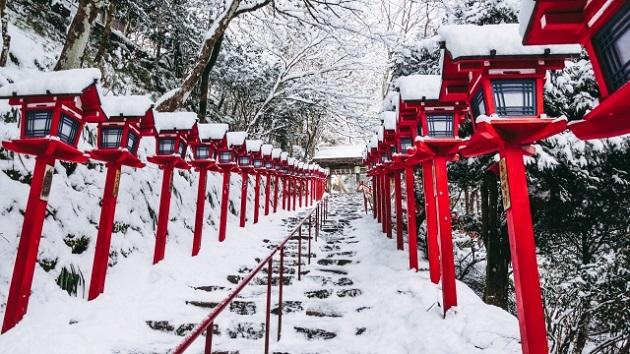 雪化粧に彩られた貴船神社。創建がはっきりしないほどの長い歴史を持つ。