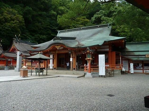 往時は参詣への道のりも一つの修行だった熊野詣。いまはアクセスが格段に良くなり、比較的スムーズにいけるようになっている。
