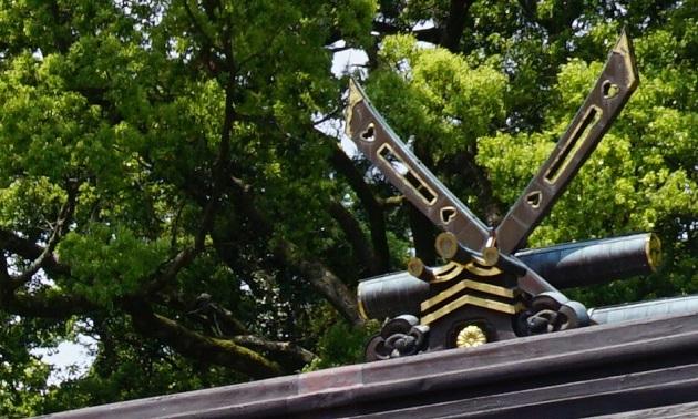 熊野本宮大社は熊野三山の中核をなす神社。熊野十二権現をお祭りする。