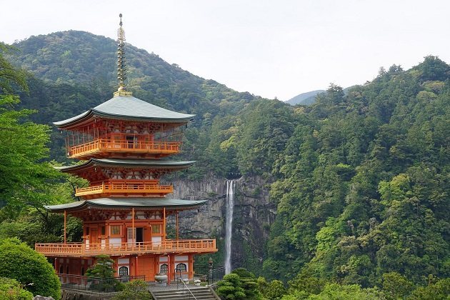 神秘的な那智48滝。世界遺産の名に恥じないスポットだ。