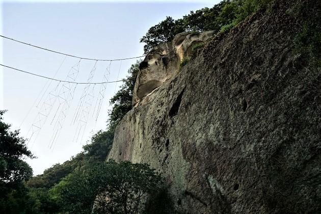 花の窟神社ルポ【パワースポット情報-三重】絶景の聖地 霊石のご利益,参拝方法は?御朱印も