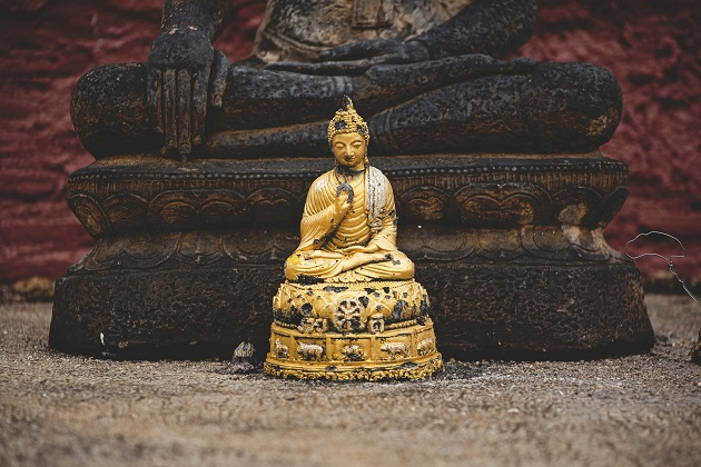 釈迦は部族名が由来。悟りを開き、ブッダになった。如来という敬称もある。