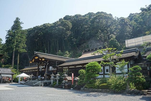 松尾大社は京都・嵐山一のパワースポット。山の神様をお酒の神様として祭っている。