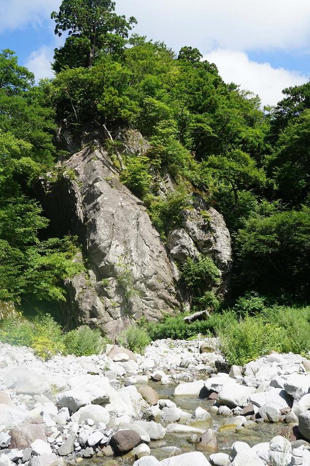大神山神社奥宮は山陰地方屈指のパワースポットであり、いにしえの聖地でもある。巨石や巨木がここそこに林立している。