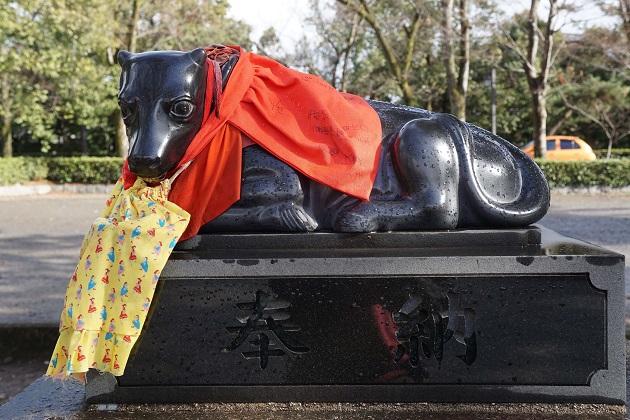 天神信仰の神社で必ずみかける牛の像