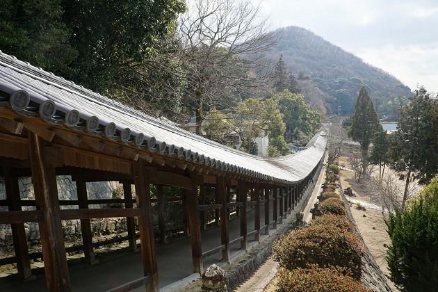 吉備津神社の回廊。パワースポットであり絶景スポットともいえる