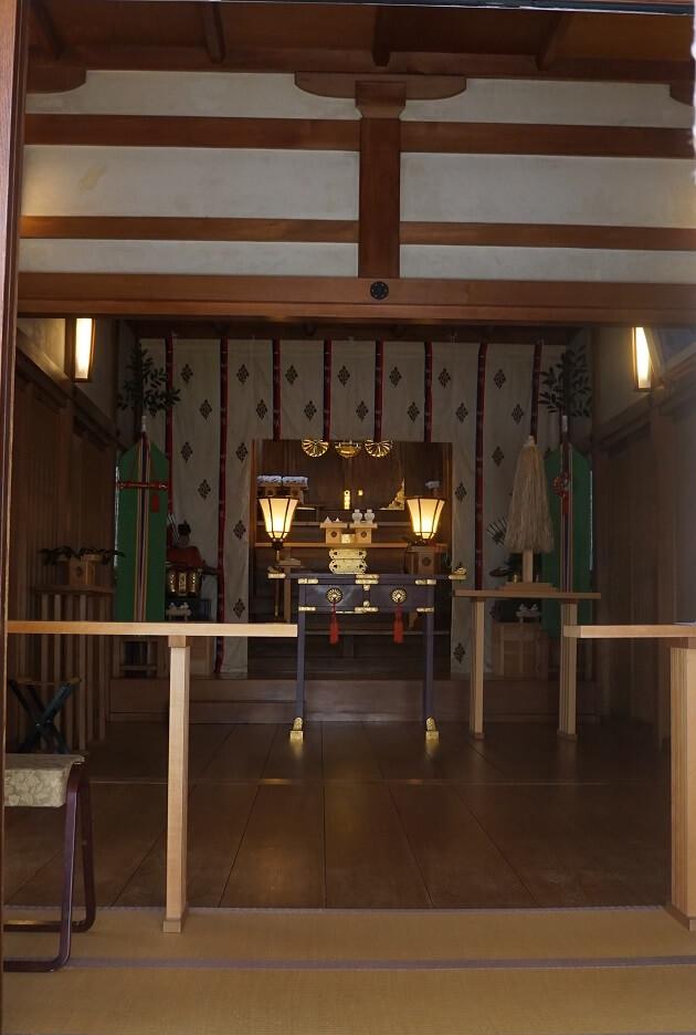 堀越神社の本殿。