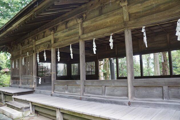 諏訪大社前宮の十間廊