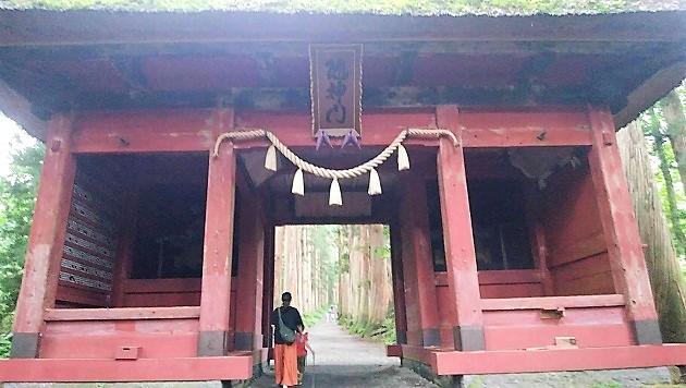戸隠神社奥社の随神門